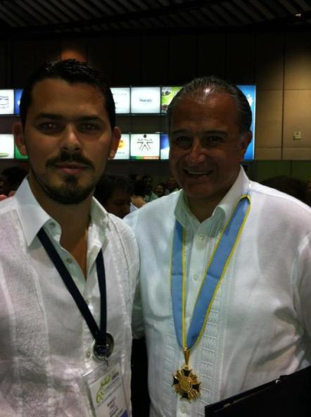 Con el General en retiro, Oscar Naranjo
