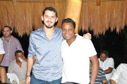 Con Omar Geles, canta autor vallenato
