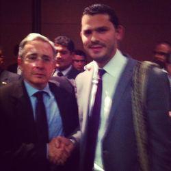 Con el Ex-Presidente y actual senador Alvaro Uribe Vélez